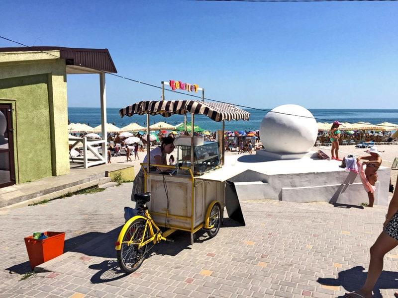 пляж одессы и уличная торговля