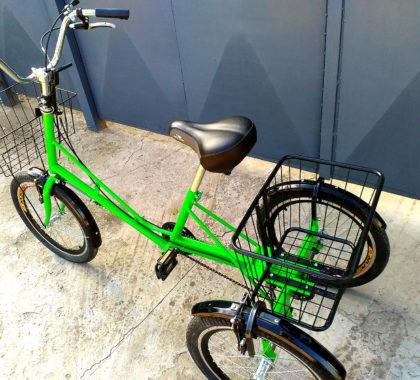 трехколесный велосипед с большой корзиной